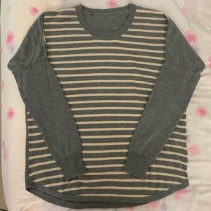 [4/$20] Unbranded sweater sz S